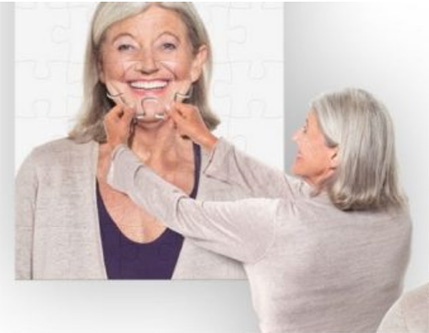 拼图形式展示老人植牙前後差异
